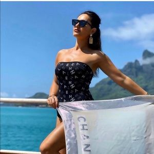Chanel One Piece Swim 02 Cruise Collection FR 40